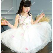 ชุดกระโปรงเด็กผู้หญิง ชุดออกงานเด็กผู้หญิง ชุดเด็กสวยๆ ชุดเดรสกระโปรงออกงาน  ชุดเดรสออกงานเด็กผู้หญิง ชุดสีชาว ลายดอกไม้  สวมใส่ได้หลายโอกาส