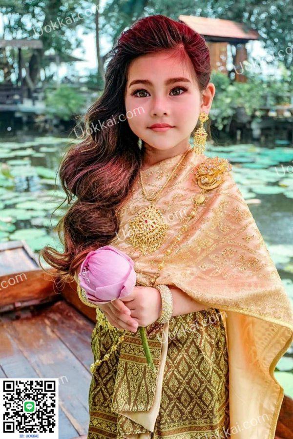 ชุดไทยสไบ