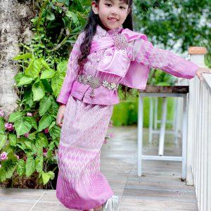 ชุดไทยลอยกระทง