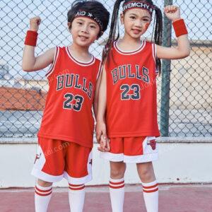 ชุดกีฬาเด็ก